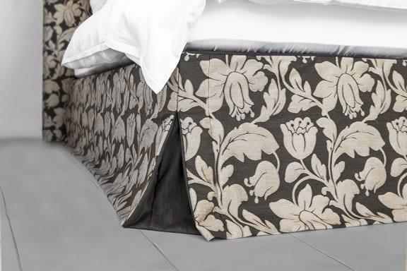 Boxspringbett Schabracke mit Dior-Falte